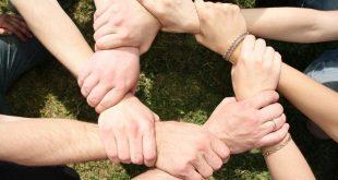 11 причин, почему человеку с возрастом все трудней найти друзей