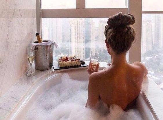 Забота о себе — это не ванна с пеной и шоколадный торт